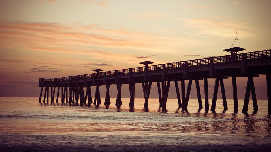 Things to do in Jacksonville - pier at dusk