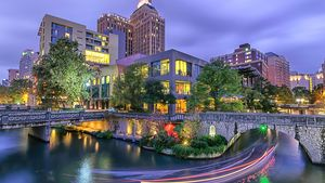 San Antonio River Walk Guide